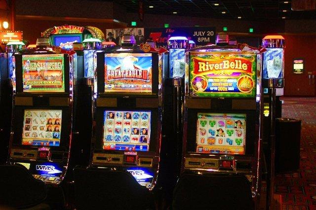 Играть в клубах на деньги риск и удовольствие