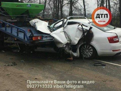 Чудовищное ДТП под Киевом: девушку-водителя разорвало на части