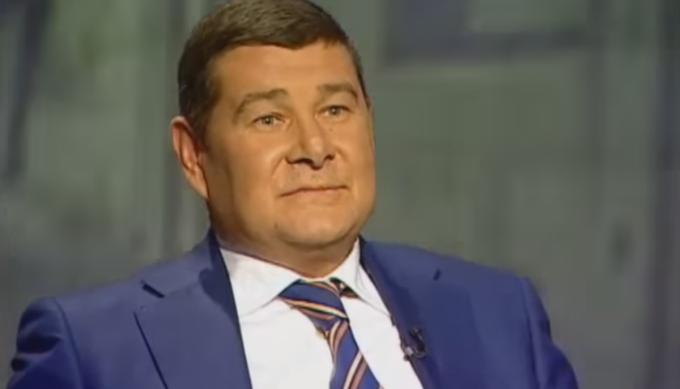 Беглый Онищенко утверждает, что получил статус политбеженца