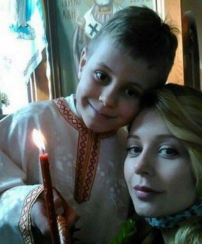 Тина Кароль поделилась трогательным семейным снимком