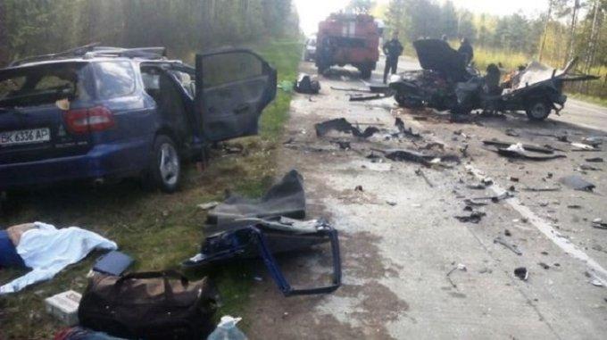 Автокатастрофа на трассе «Киев-Ковель»: 5 погибших, 2 пострадавших