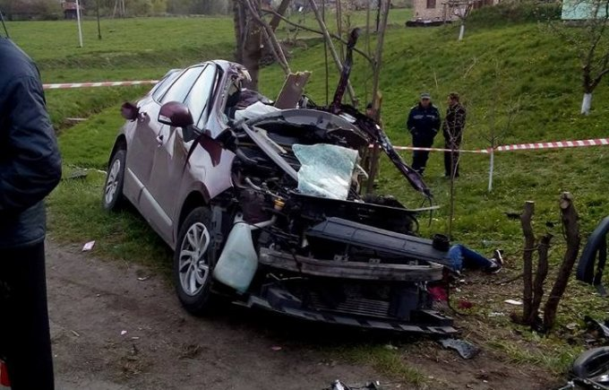 Выживший водитель раскрыл подробности кровавого ДТП на Прикарпатье. Видео