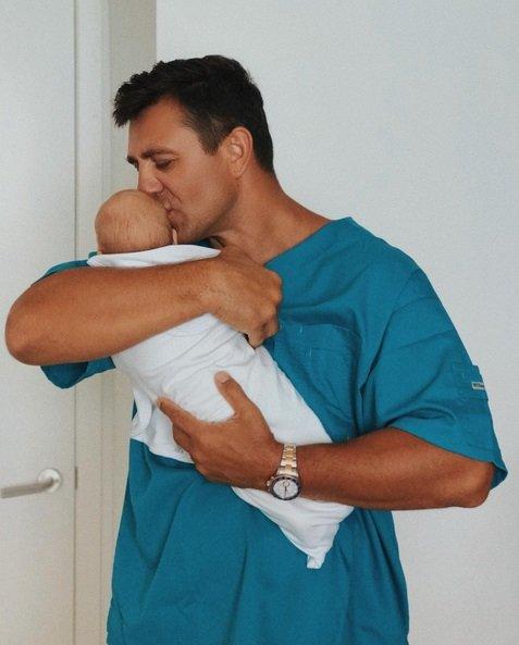 Николай Тищенко показал первые фото с новорожденным сыном