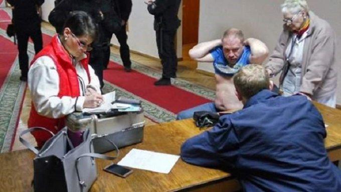 Мэра Днепра подозревают в избиении активиста. Видео