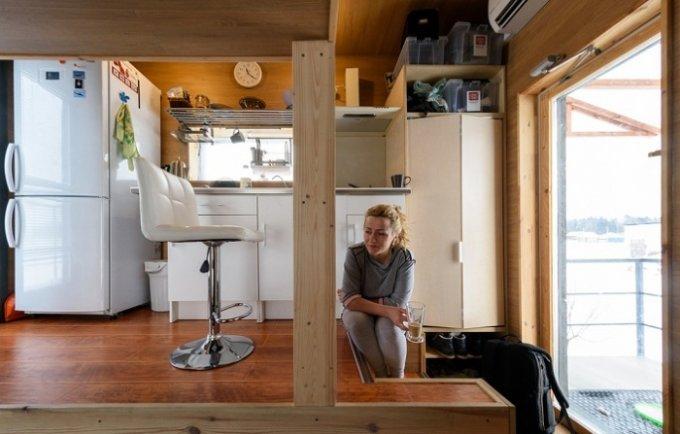 Комфортабельный домик площадью всего 16 кв. м. для семьи из трех человек. Фото