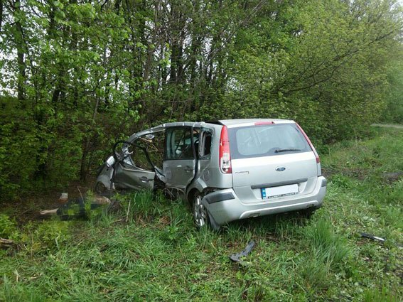ДТП в Ровенской области: легковушку разорвало на части, водитель погиб