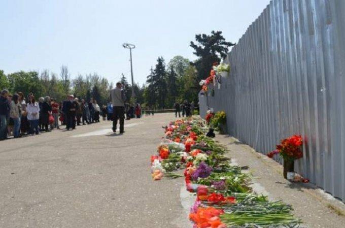 Одесситы почтили память погибших 3 года назад в «Доме профсоюзов»