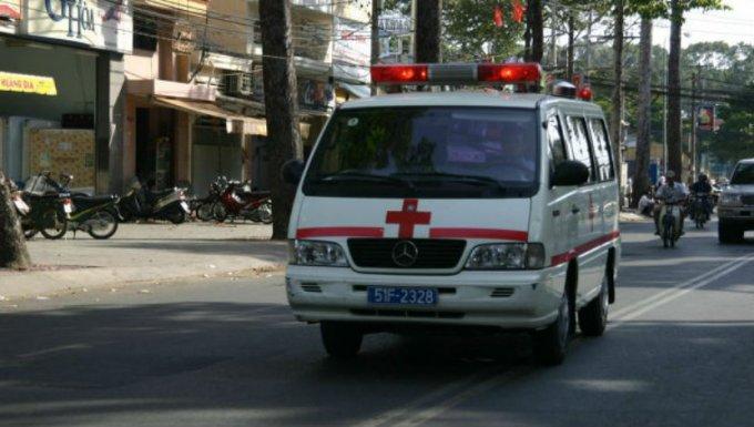 Во Вьетнаме фура на большой скорости столкнулась с автобусом: есть жертвы