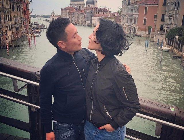 Даша Астафьева прогулялась по Венеции вместе с возлюбленным