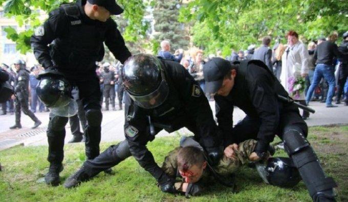 Арсен Аваков резко отреагировал на потасовки в Днепре 9 мая
