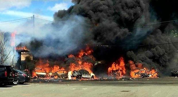 Крушение частного самолета в США: есть жертвы