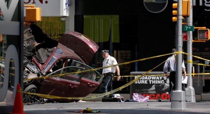 Нью-Йорк: водитель-убийца наехал на людей «по велению Бога»