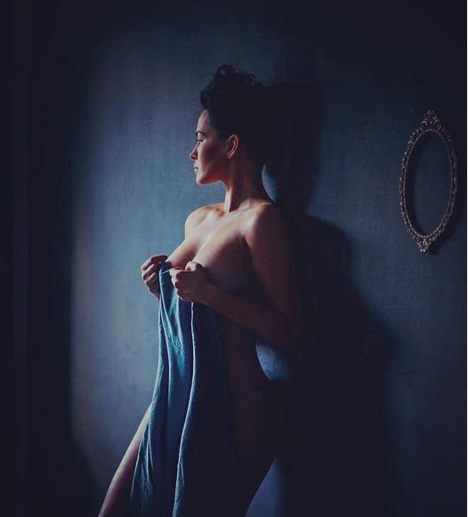 Даша Астафьева заинтриговала фанатов откровенным фото