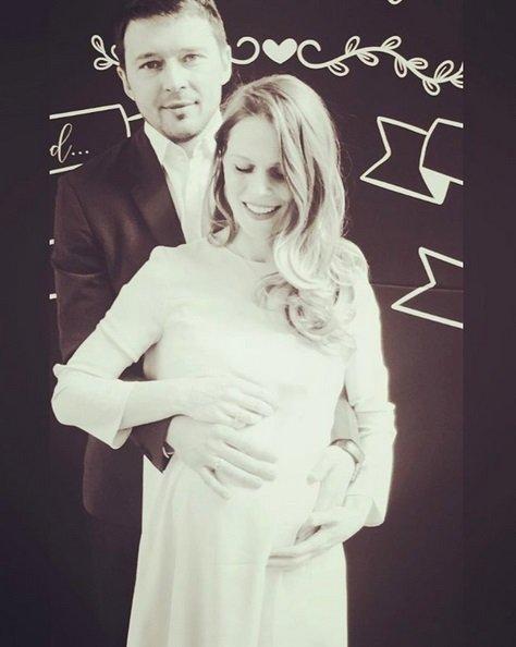 Беременная Ольга Фреймут показала милое фото с мужем