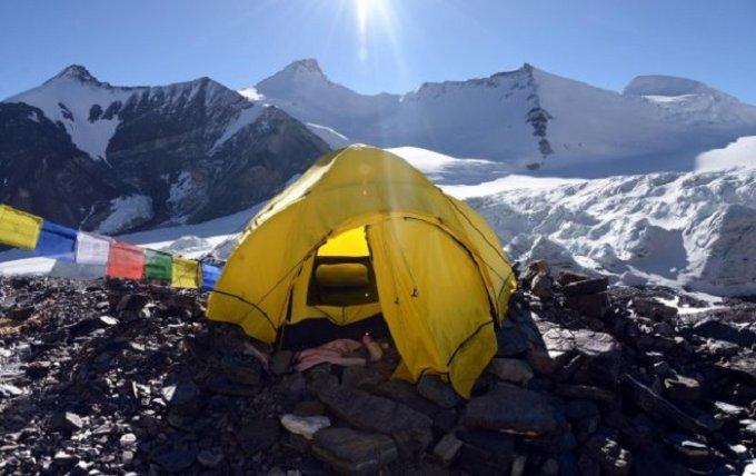 Спасатели на Эвересте обнаружили 4 трупа