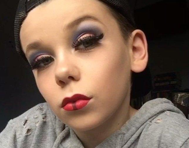 10-летний британец восхищает публику своими работами. Фото