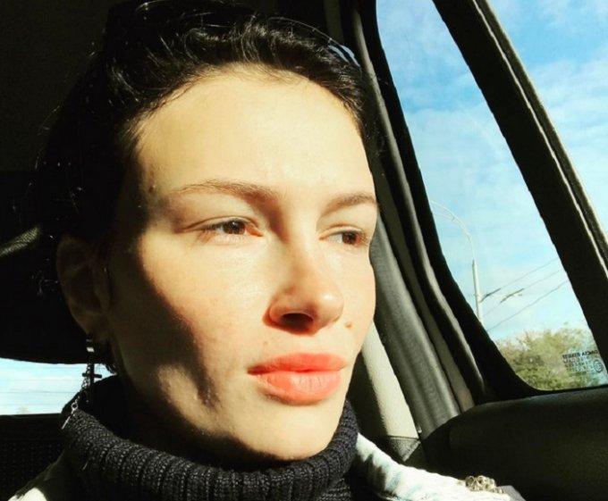 Без цензуры: украинская певица озадачила публику видео-обращением