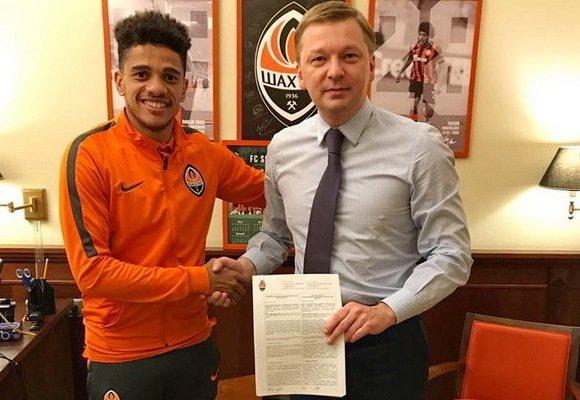 Лидер «Шахтера» подписал с клубом новый контракт