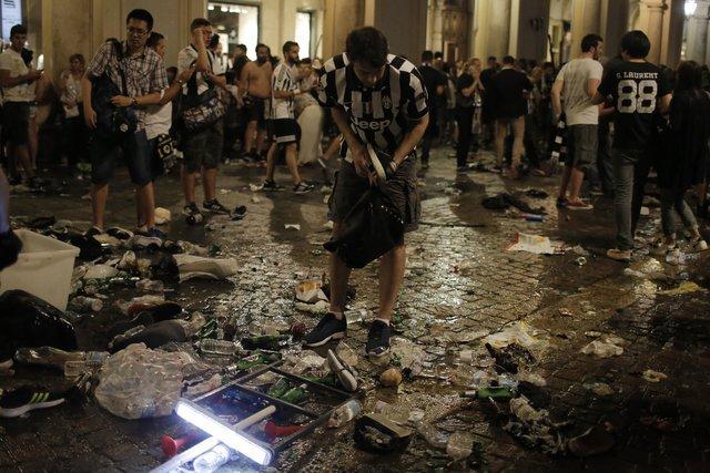В Турине в давке болельщиков пострадало более тысячи человек. Видео