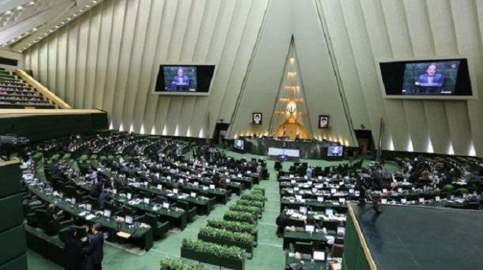 Нападение неизвестных на иранский парламент: есть жертвы