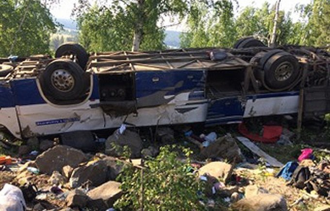 Ужасная автокатастрофа с паломниками в России: 12 погибших, десятки пострадавших