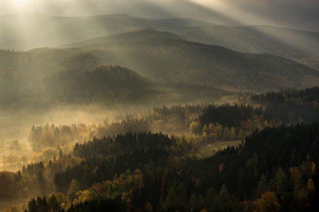 Магическая осень в горном парке Rudawy Janowickie Landscape. Фото
