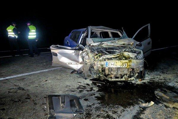 Смертельное ДТП под Киевом: автомобили превратились в металлолом
