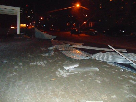 Разборки возле АЗС в Киеве: пострадали семеро полицейских