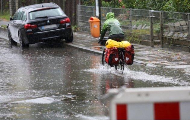 Ужасающие последствия урагана Ксавьер в Германии. Фото