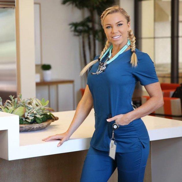 Медсестра-бодибилдер покорила Сеть. Фото