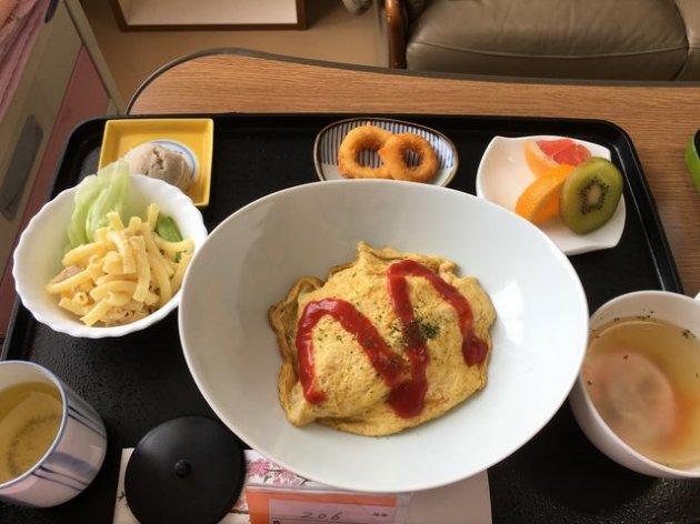Рестораны «отдыхают»: чем кормят в японских роддомах. Фото