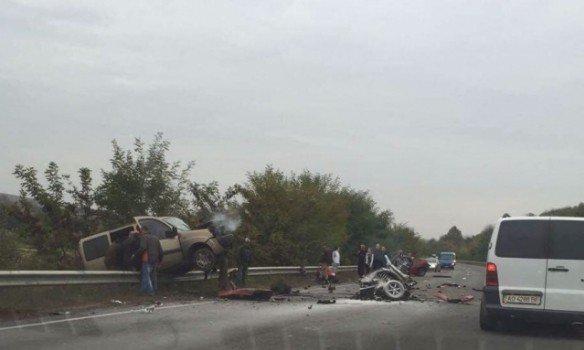 Жуткое ДТП на Закарпатье: авто разорвало надвое