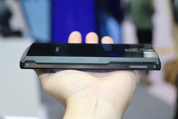 Китайцы представили смартфон с рекордной емкостью батареи