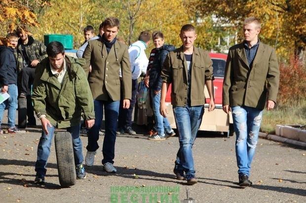 В Сети высмеяли странную церемонию посвящение студентов из «ЛНР»