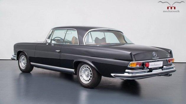 Этот отреставрированный раритетный Mercedes оценили почти в полмиллиона долларов