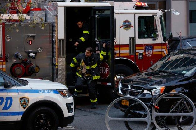 Кадры с места трагедии в Нью-Йорке. Фото