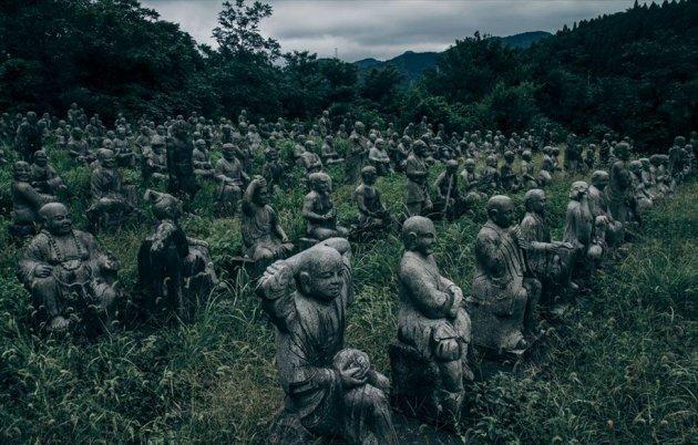 Тут живут статуи: самая жуткая в мире деревня. Фото