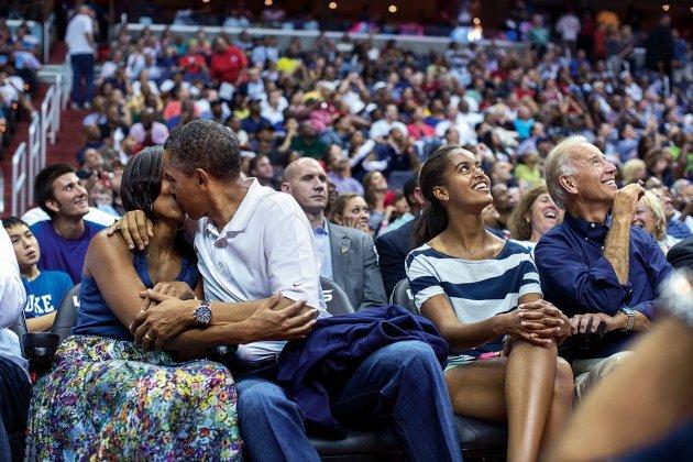 В Сеть попали снимки из книги о Бараке Обаме. Фото