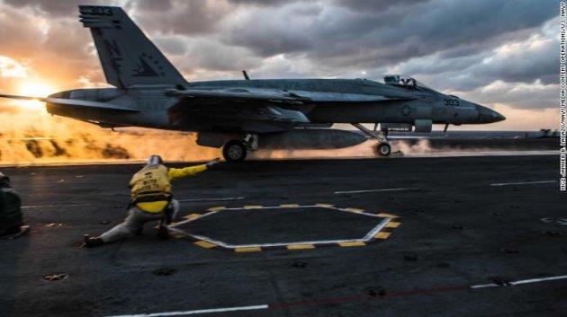 Учения американских авианосцев у берегов Кореи. Видео