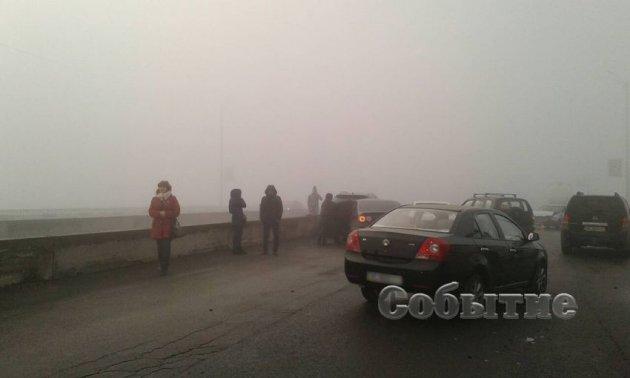 На Днепропетровщине столкнулись десять автомобилей