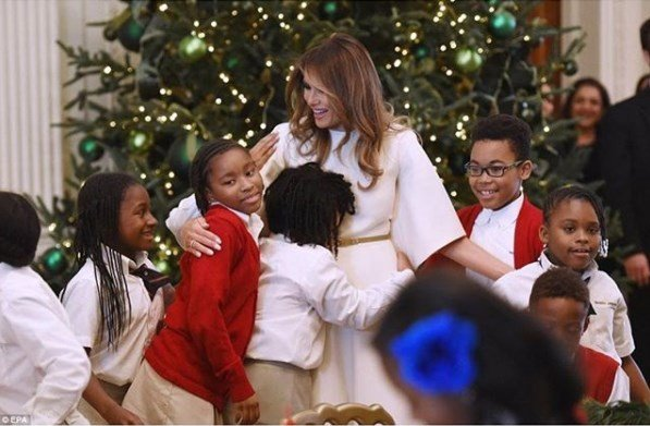 Меланья Трамп украсила Белый дом к Рождеству