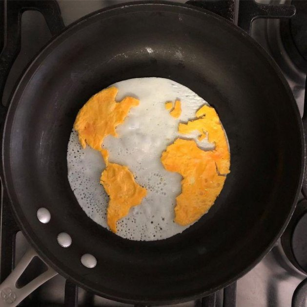 Мексиканец создает невероятные картины из яиц. Фото