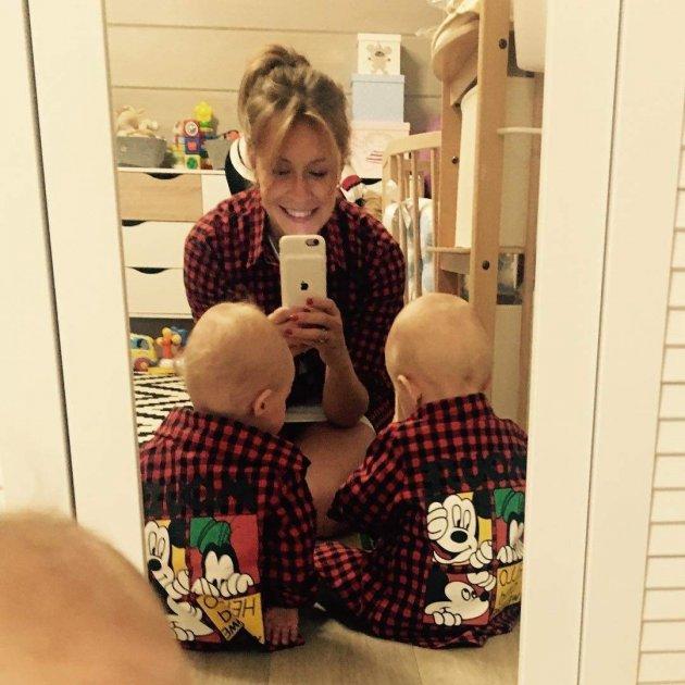 Елена Кравец поделилась милым семейным фото
