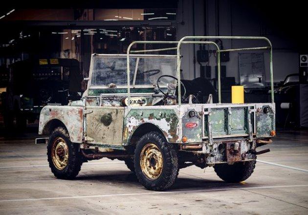 Land Rover обещает вернуть к жизни самый первый Defender