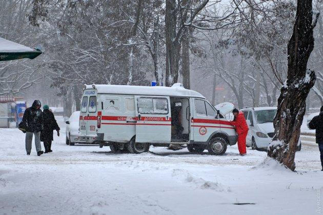 Впечатляющие снимки разгула зимней стихии в Одессе. Фото