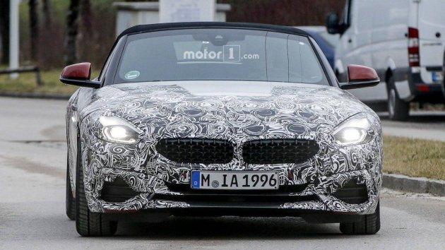 В объективы камер попался необычный BMW Z4
