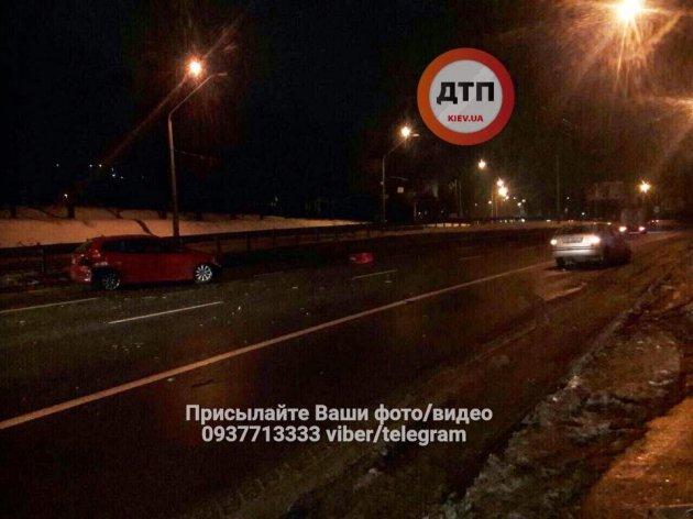 Пьяное ДТП в Киеве: столкнулись Skoda, Audi и Honda