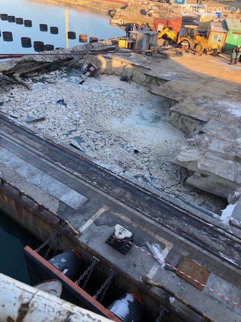 В порту «Южный» рухнул еще недостроенный причал