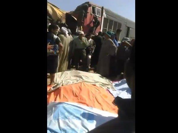 В Египте столкнулись поезда: десятки погибших