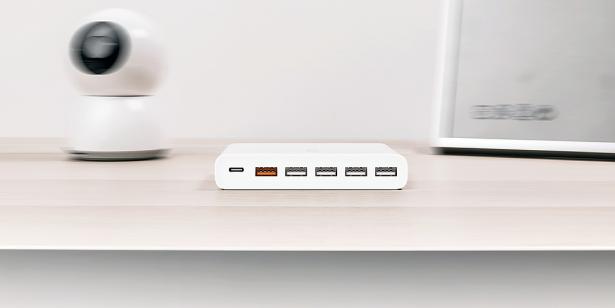 Xiaomi представила зарядное устройство сразу на 6 портов